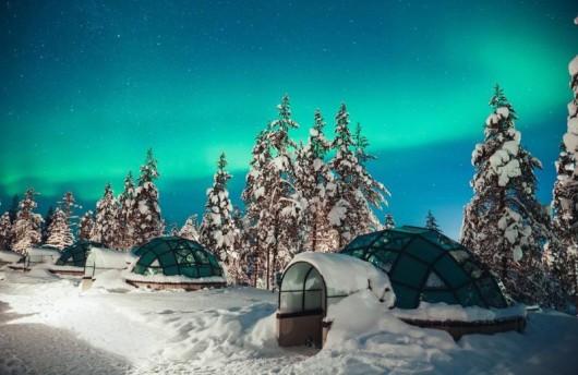 Glass Igloo northern lights