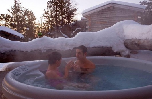 Queen suite kakslauttanen arctic resort